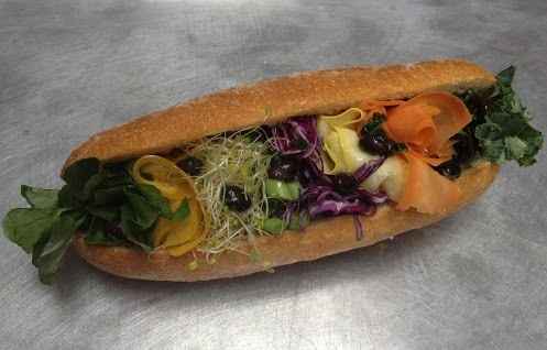 RAW sandwich! Feast your eyes on THE BUCKLE! Kale Yellow zucchini ...