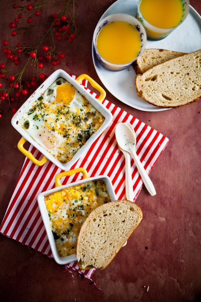 Baked Eggs with Spinach, I'm pinning this to my Healthy Noms board ...