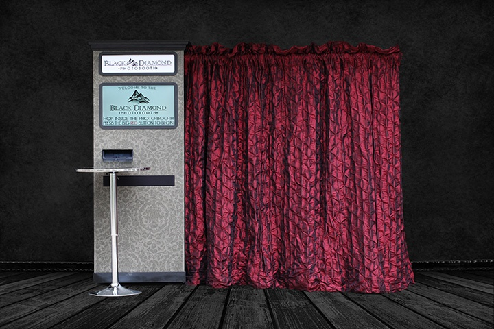Our Red curtain   photo booth fun and wedding ideas   Pinterest