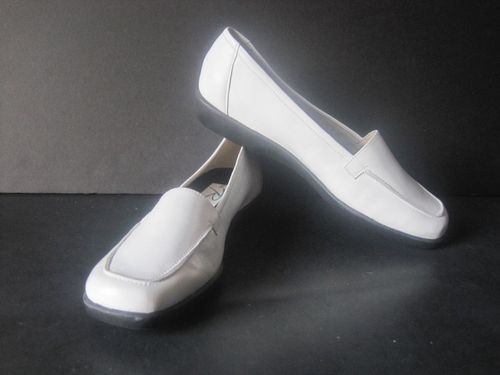 Ros Hommerson Shoes Size 6 White Leather Loafers Womens Flats