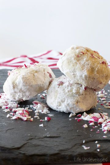 Peppermint Walnut Snowball Cookies | Life Undeveloped #fbcookieswap