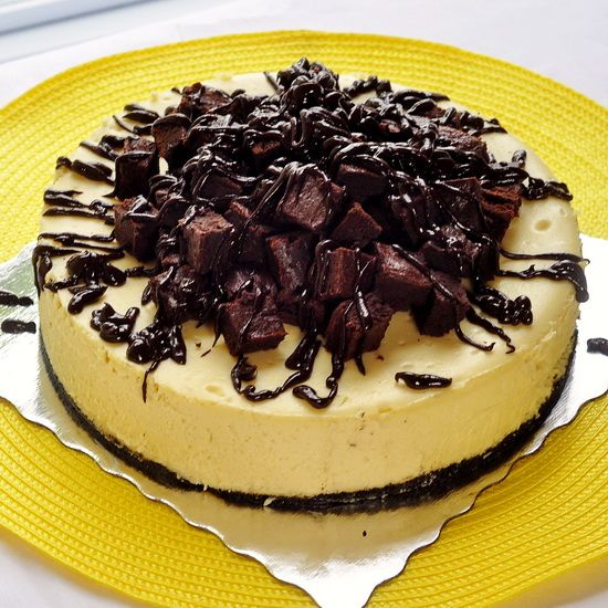 Brownie Cheesecake - a creamy vanilla cheesecake with a chocolate ...
