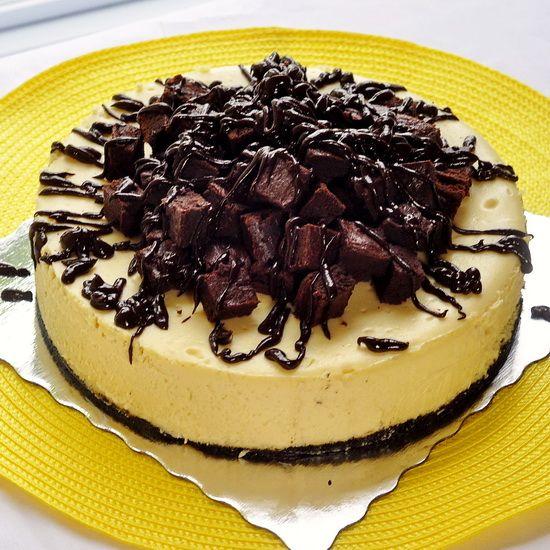 Brownie Cheesecake - a creamy vanilla cheesecake with a chocolate ...