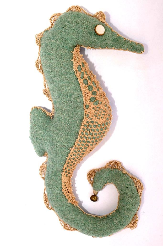 Free Amigurumi Seahorse : Pin Free Amigurumi Seahorse 1 on Pinterest