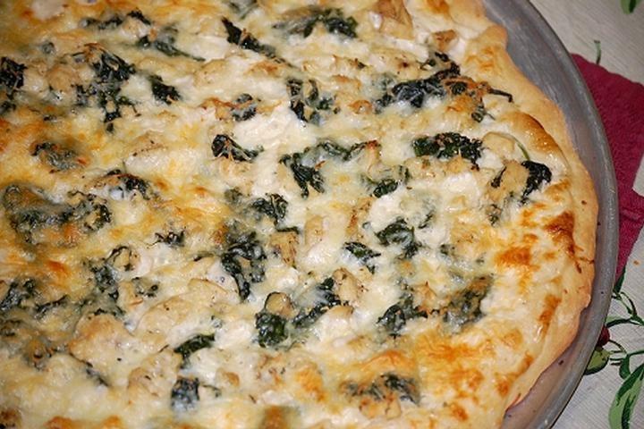 Spinach alfredo mushroom Pizza | Favorite Recipes | Pinterest