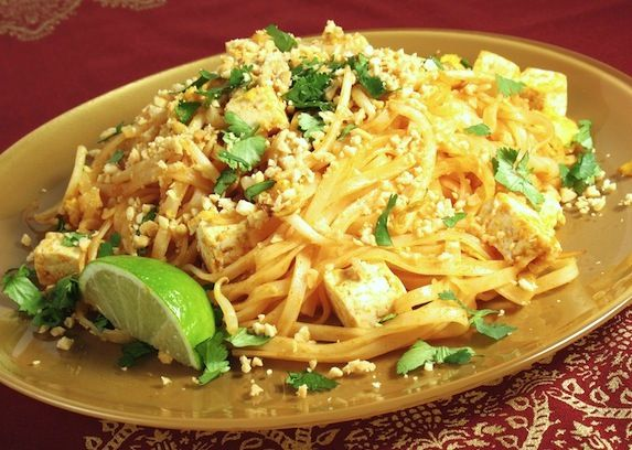 Vegetable and tofu pad thai recipe | Healthy/Weight Watchers Recipes ...