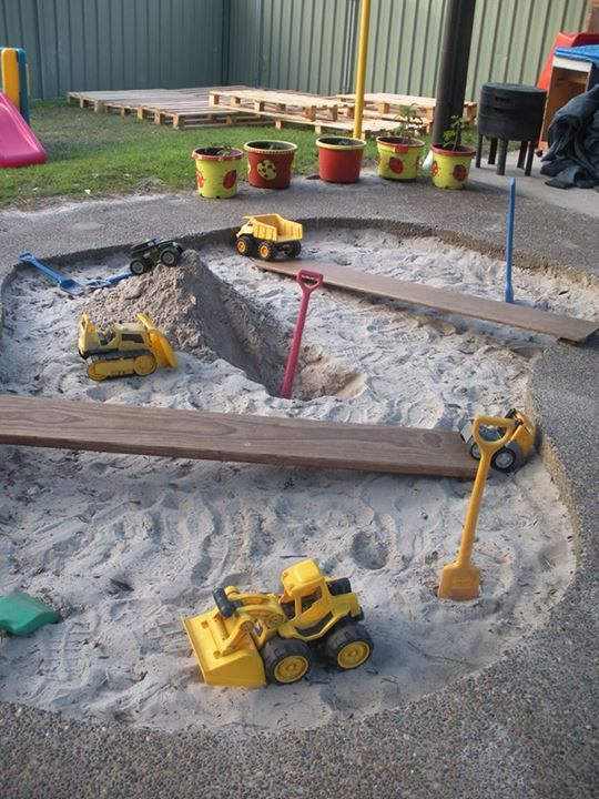 Backyard Sand Play Area : Diggers at work in the sand tray at Karana Early Education Centre (,)