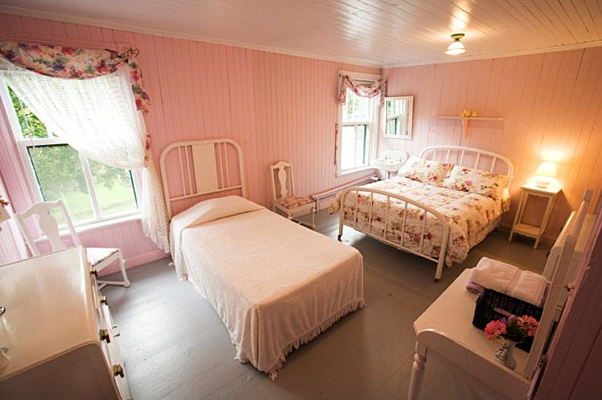 bed placement ideas for cottage bedroom house decorating and room i
