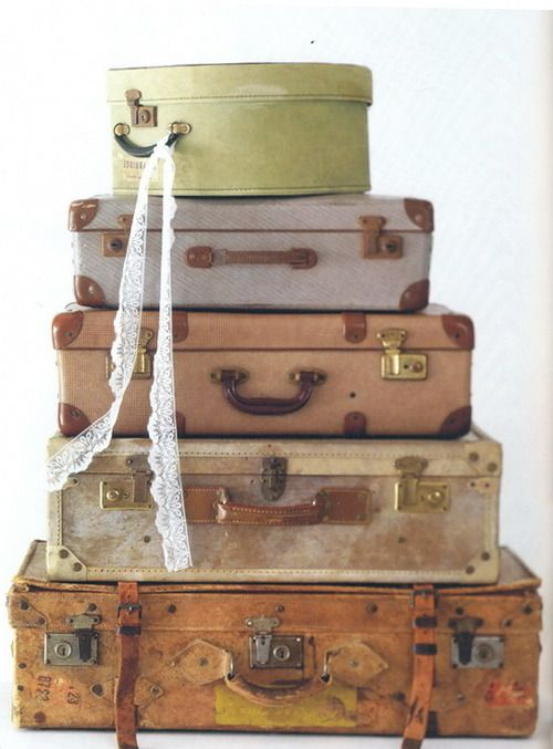 Old luggage vintage chic home pinterest for The vintage suitcase