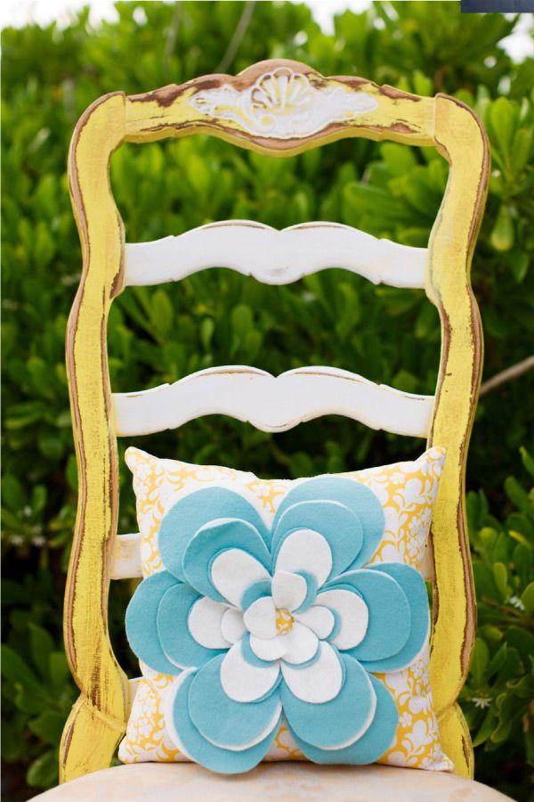 adorable felt flower pillow