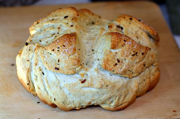Spicy Garlic Bread in a Pot   Bread, Buns & Rolls   Pinterest