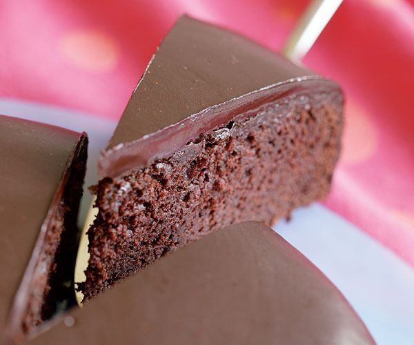 Fastest Fudge Cake by Fine Cooking | CHOCOLATE | Pinterest
