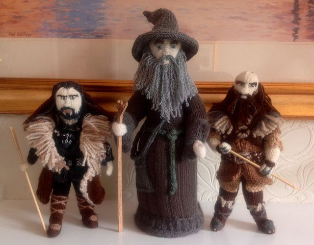 Thorin, Gandalf and Dwalin - made by the Knitting Witch, read/see more: http://knithacker.com/?p=9236 #TheHobbit -- Follow her on Twitter @KnittingWitchUK