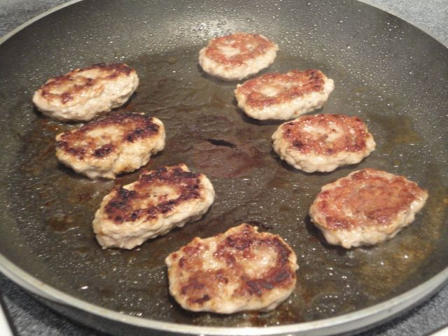 patties little quinoa patties simple homemade sausage patties recipe ...