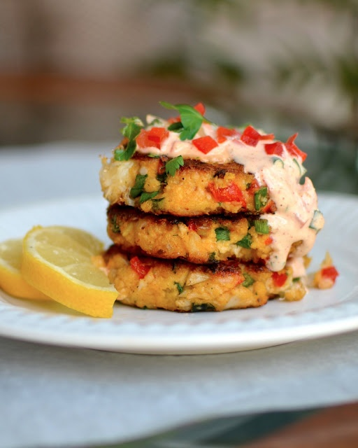 Yammies Noshery: Gluten-free crab cakes | Favorite Recipes | Pinterest