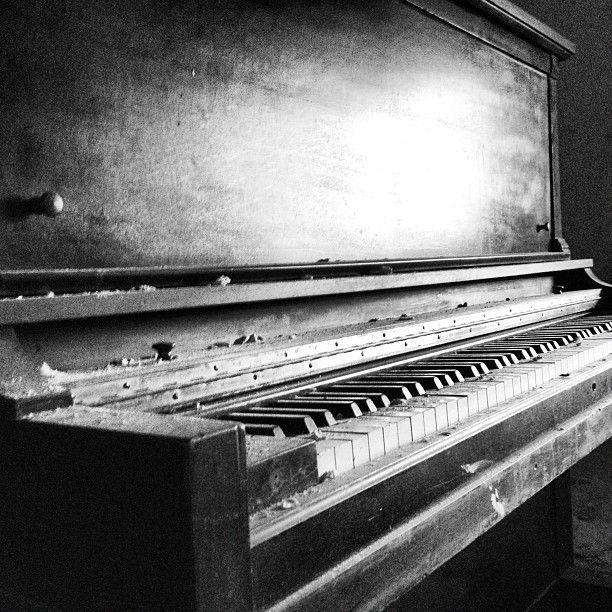 black amp white piano photo pinterest