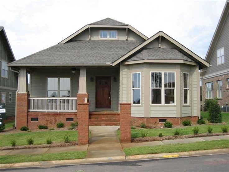 Craftsman home with bay window craftsman style pinterest for Craftsman home windows