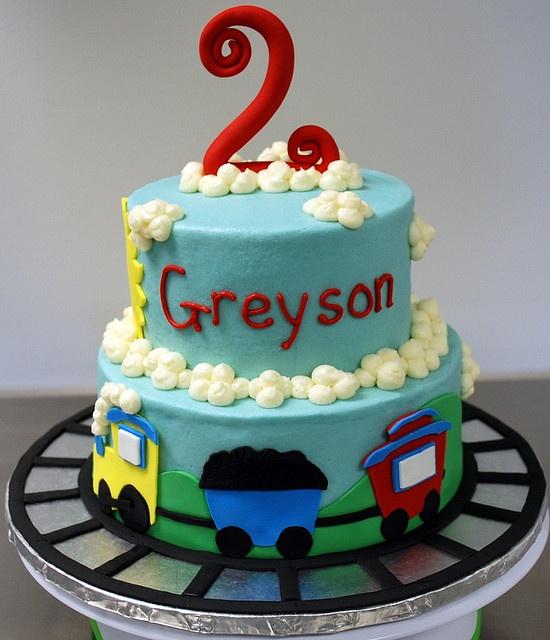 another good train cake idea  Cake decorating  Pinterest