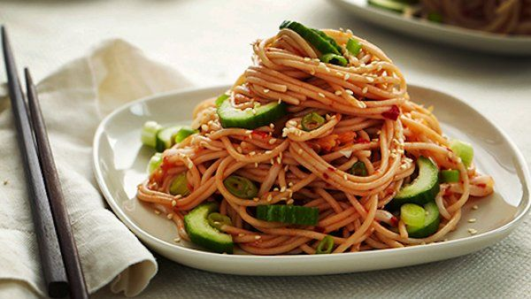 KIMCHI NOODLE SALAD | From Forks Over Knives – The Cookbook #vegan