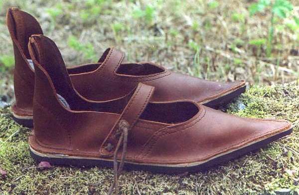Ladies Medieval Shoes. style