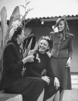 Three wonderfully stylish 1940s ladies. #vintage #1940s #fashion #hats