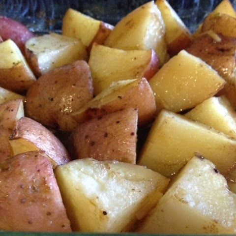 hot mama: Garlic Roasted Red Potatoes | A Savory Thing | Pinterest