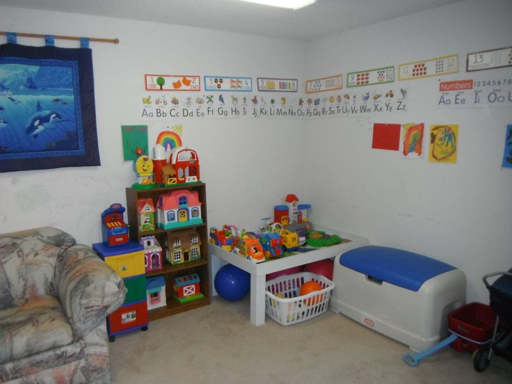 Small playroom ideas the upstairs play room has a futon for Upstairs bedroom ideas