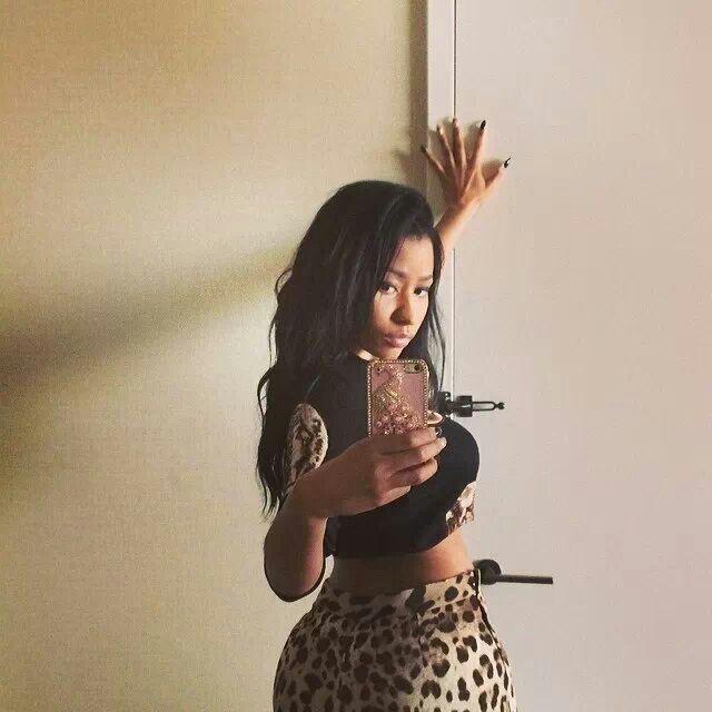 Nicki Minaj, se... Nicki Minaj Selfie