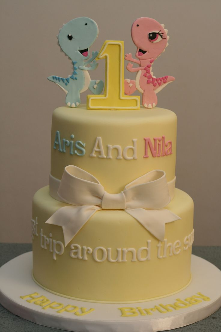 1st birthday cake for twins