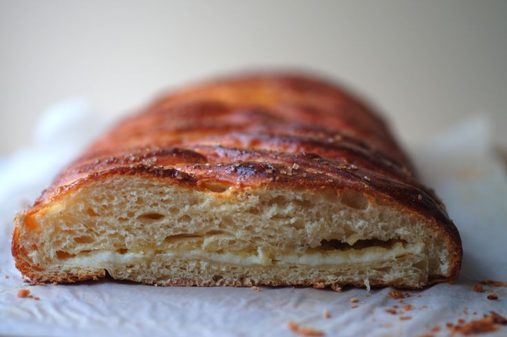 Poires au Chocolat: Braided Lemon Bread