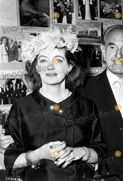 ... | Bette Davis Picture - Bette Davis Photo by Smp-Globe Photos Inc