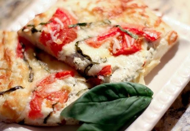 Easy Tomato Basil Pizza | Dinner Please | Pinterest