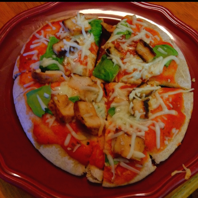Whole wheat pita bread, marinara sauce, spinach, low-fat mozzarella ...