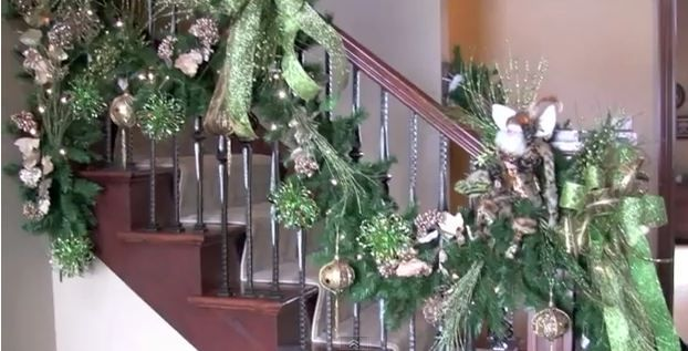 How to Decorate Your Banister and Staircase for Christmas (video)