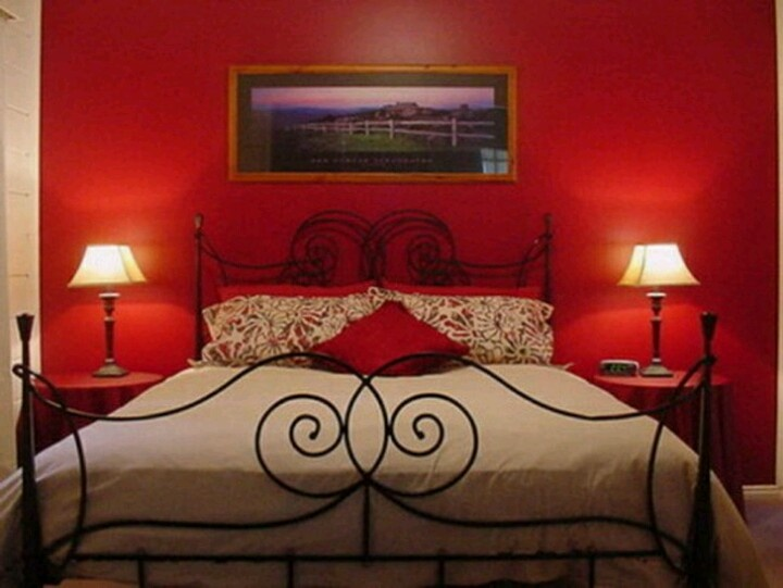red bedroom colors