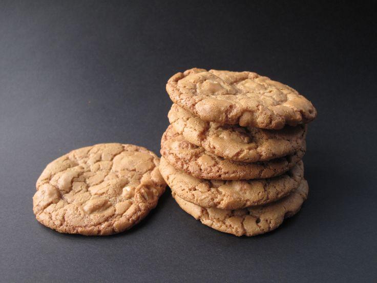 Honey-Roasted Peanut Cookies- crunchy cookies full of honey-roasted ...