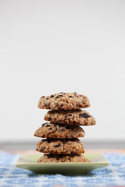 Almond Power Cookies and 8 Easy Peasy Picnic Foods