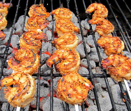 Lemon Spiced Grilled Shrimp skewers  1 lb. large raw shrimp  Marinaded with  1/4 cup lemon juice  1/4 cup Worcestershire Sauce  1 Tablespoon minced garlic  1 Tablespoon minced onions  1 teaspoon chili powder  1/2 teaspoon black pepper