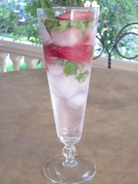 Strawberry Basil Sparkler | Recipes | Pinterest