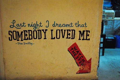 last night i dreamt that somebody loved me lyrics: