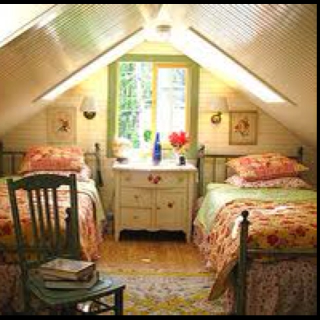 Attic bedroom upstairs bedroom ideas pinterest for Upstairs bedroom ideas
