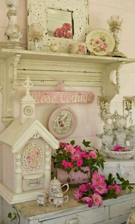 Pretty shabby chic display shabby chic cottage pinterest Cottage home decor pinterest