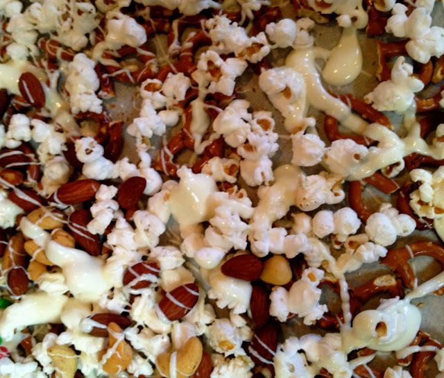 Christmas Snack Mix | yummy stuff | Pinterest
