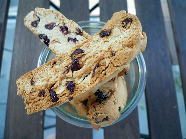 ... almond & cranberry biscotti. An easy recipe that's quick & de...