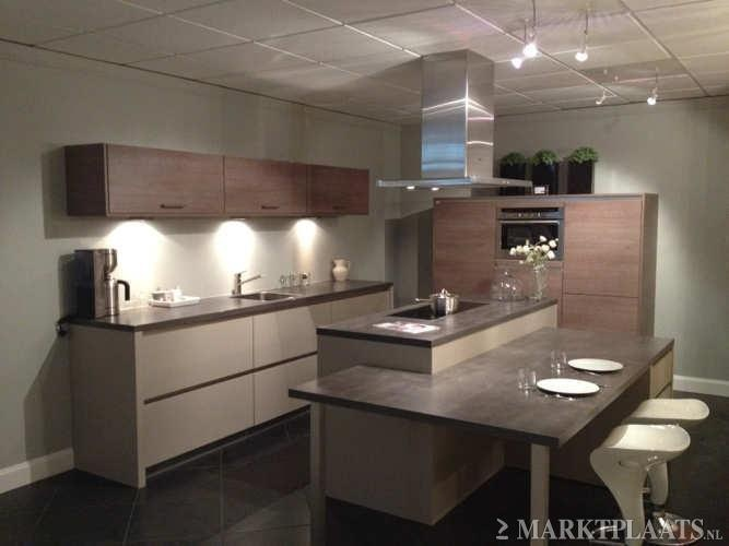Pin by britt ter heerdt on interieur pinterest - Moderne keukenbank ...