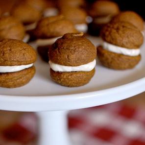 Mini Pumpkin Whoopie Pie | Sweet Delicious Food ...YUMMMMMMMY | Pinte ...