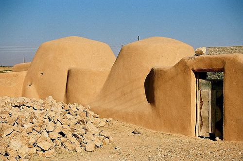 Beehive houses, Syria. Middle Easterners have been beating the heat without air conditioning for centuries. Made from mud, dirt, straw and stones, beehive houses have been keeping Syrians cool since 3,700 BC! The structures are not only eco-friendly, but eye-catching, and are still in use today.