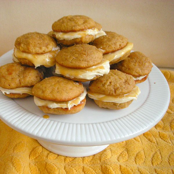 ... december 2013: caramel banana whoopie pies - Now You're Cookin