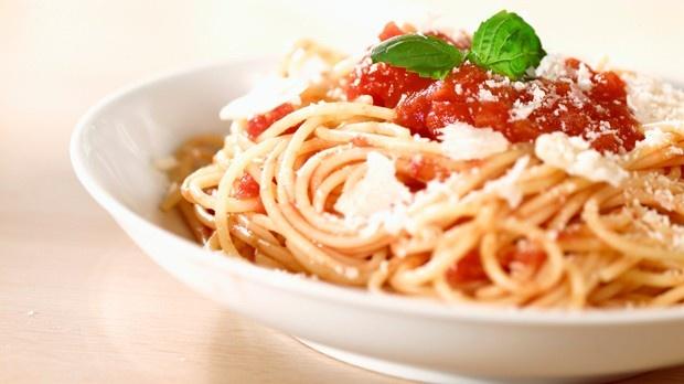 Tomato and parmesan cheese spaghetti | Food I Recipes | Pinterest
