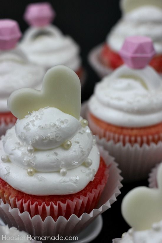 Strawberry Cupcakes with Marshmallow Frosting | Recipe on ...